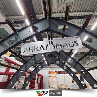 АРКАХАУС Логотип на арочной конструкции для кемпинга